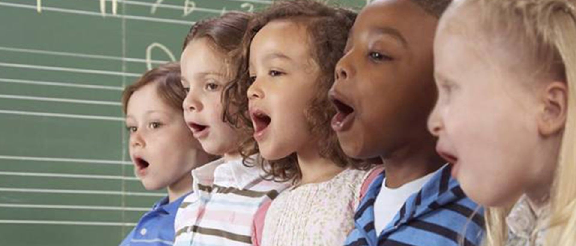 Ensino de música eleva desempenho de música, diz estudo